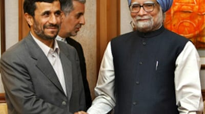 Ahmadinejad pushes India gas deal