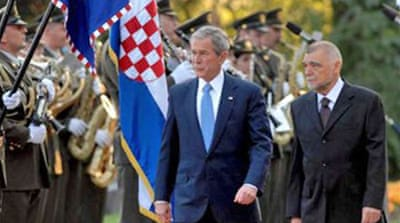 Bush welcomes Croatia into Nato