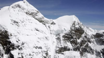 Alps avalanche kills French skiers