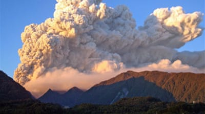 Chile volcano residents removed
