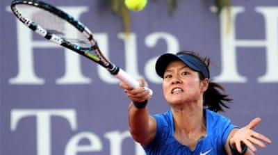 Li Na (L) and Azarenka (R) will be action at Australia Open which takes place from January 14 to January 27 [AFP]