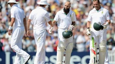 Jacques Kallis gives Hashim Amla a celebratory pat after he becomes top scoring Proteas batsman [GETTY]