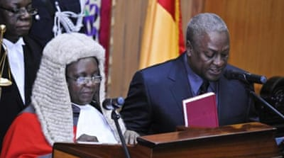 Ghana swears in Mahama as new president
