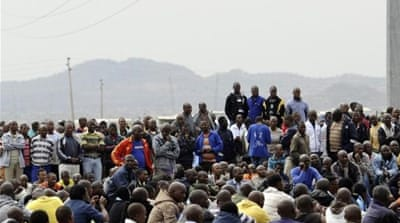 Tensions as S Africa miners continue strikes