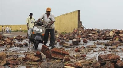 Cyclone Phailin smashes into Indian coast