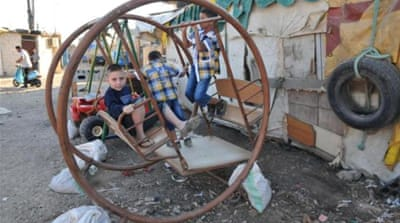 Lebanon seeks help to cope with Syrian influx