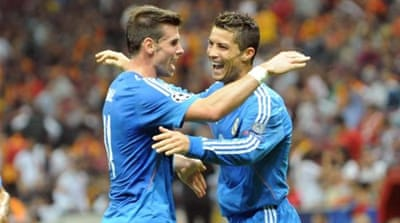 Real Madrid manager Carlo Ancelotti believes Gareth Bale (R) and Cristiano Ronaldo (L) can work well together [AP]