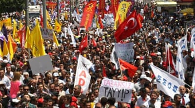 Turkey protests continue despite apology