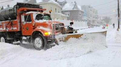 US northeast struggles through deadly storm