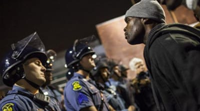 US demonstrators condemn Ferguson shooting