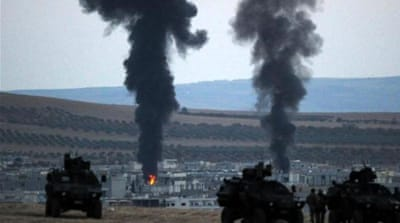 Fierce fighting was reported once again on Sunday at the border between Turkey and Syria [AFP]