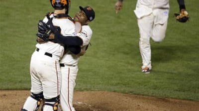 Celebrations for the Giants after they beat the Nationals 3-2 to [AP]