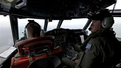 Search resumes for missing Malaysia plane