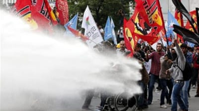 Protesters clash with police in Turkey