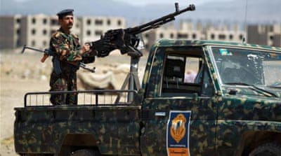 'AQAP fighters' attack Yemen army checkpoint