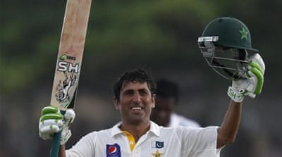 Younis used the DRS twice to extend his stay in the middle [REUTERS]