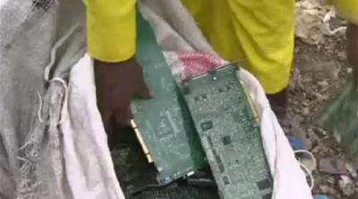 Recyclers turn Kenya's e-waste into cash