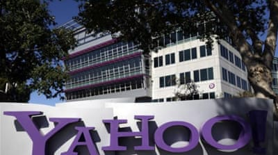 US 'strong-armed' Yahoo to turn over user data