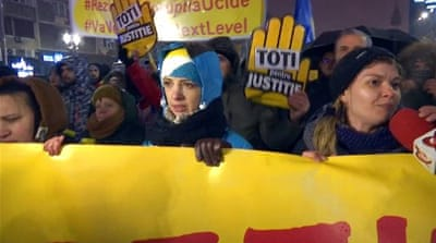 Romania: Tens of thousands protest against corruption