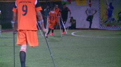 Playing football brings hope to amputees in Gaza