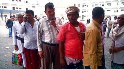Yemen war: Hudaida residents escape south to Sanaa
