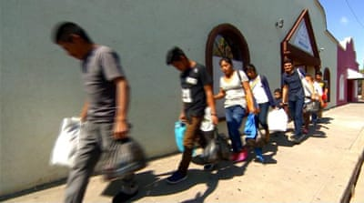 US immigration: Migrant families continue to arrive at border