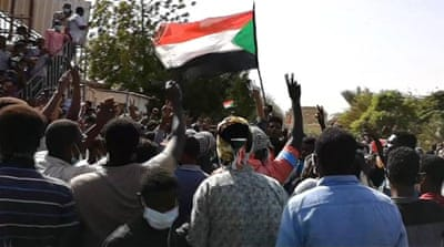 Lack of leaders in Sudan's protests delays peace talks