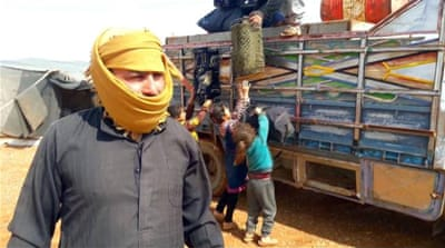 Tens of thousands of displaced Syrians stuck in Rukban camp