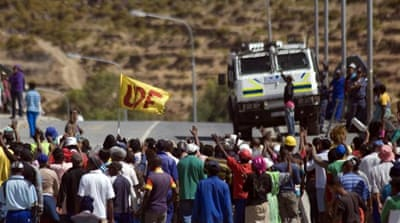 South Africa farmers strike for higher wages