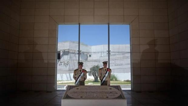Arafat exhumation comes at tense time for PA
