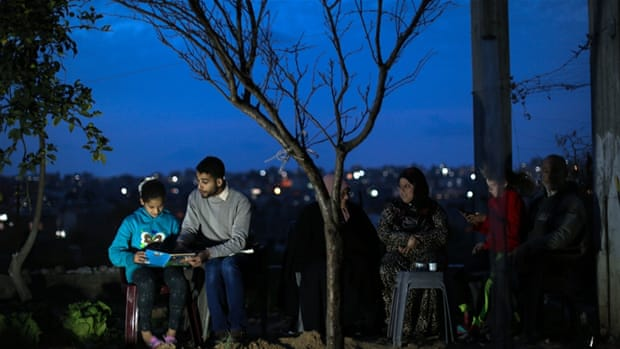 Meet the man crowd-funding Gaza's first English library