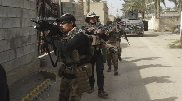 Iraqi security forces continue to face fierce resistance from ISIL fighters near Ramadi [AP]