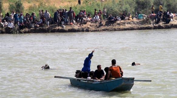 Iraqis drown fleeing from Fellujah