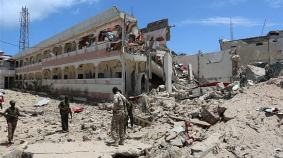 Somalia capital hit by deadly bomb