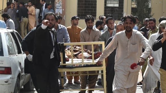 Pakistan lawyers attacked in ER: 70+ dead