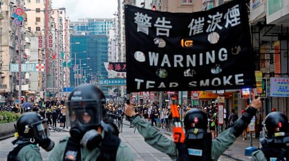 Hong Kong airport struggles to reopen amid flight cancellations