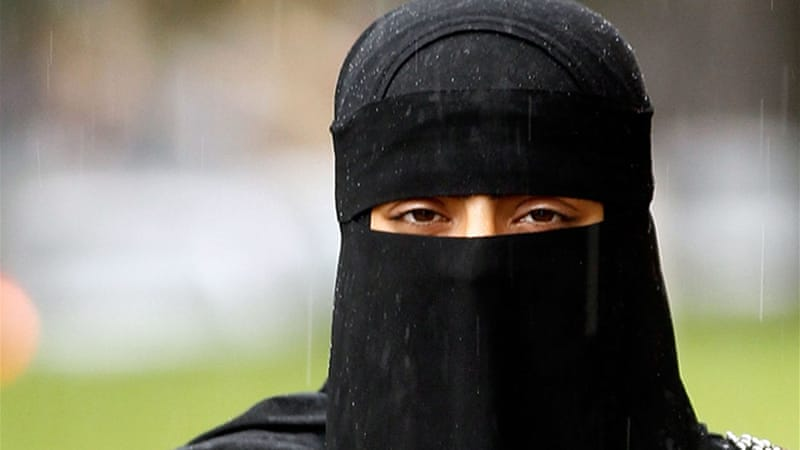 Bulgaria bans full burkas