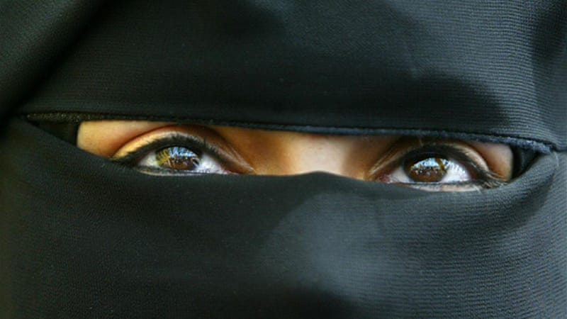 Congo-Brazzaville bans women from wearing full veil