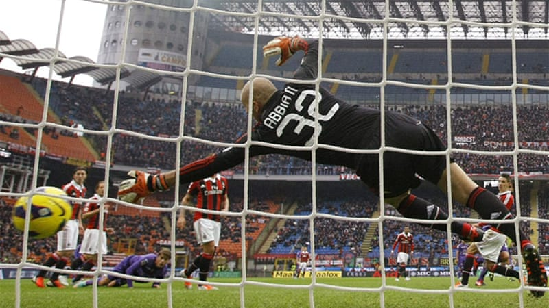 Aquilani scored twice and set up another goal as Fiorentina notched up their fifth straight match to tie with Napoli at third in the league table [GALLO/GETTY]