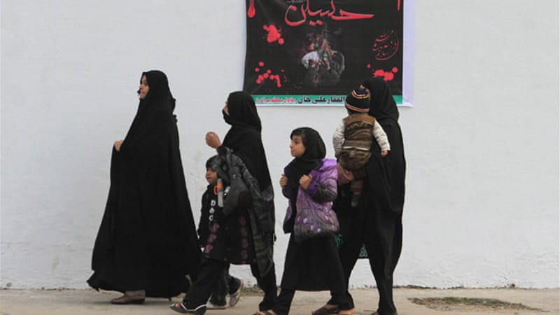Shia Ashura processions have been the target of deadly bomb attacks by hardline Sunnis in Pakistan [Reuters]