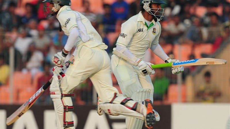 Bangladesh were 85-5 at tea but Shakib, right, and Nasir fought back to build a 144-run, sixth-wicket partnership at the end of the day [AFP]