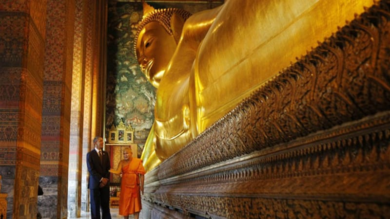 While US President Barack Obama toured Thailand's Wat Pho monastery, his foreign policy staff was providing him hourly updates of the Gaza fighting [REUTERS]