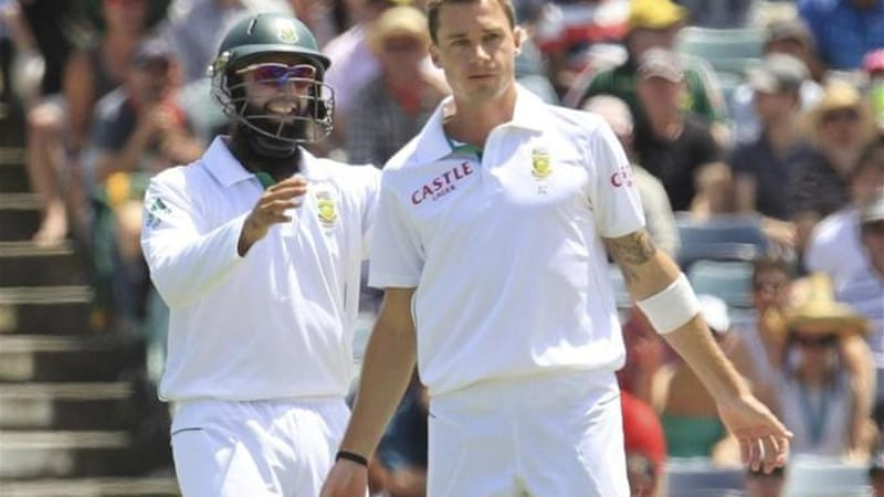Steyn (R) has put South Africa in a commanding position in the final Test against Australia [Reuters]
