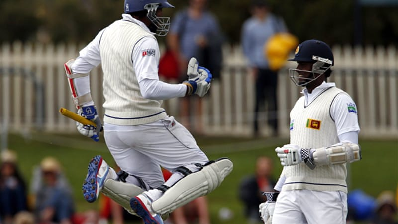 A fifth-wicket stand of 161 by Tillakaratne Dilshan, left, and Angelo Mathews, right, led Sri Lanka's comeback from an overnight 87-4 [Reuters]