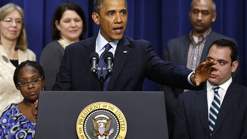 "Obama said on Monday that the ""fiscal cliff"" deal would extend unemployment benefits for US citizens [Reuters]"