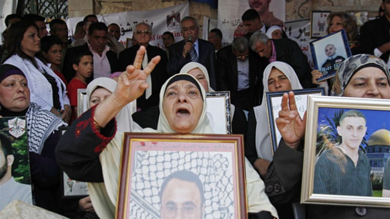 Thousands of Palestinians have taken part in solidarlity rallies to demand justice for the hunger strikers [AFP]