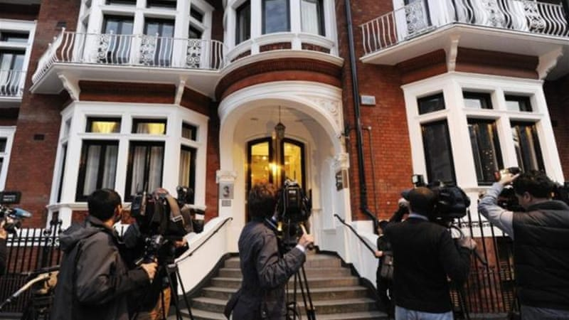 UK police say WikiLeaks founder faces arrest