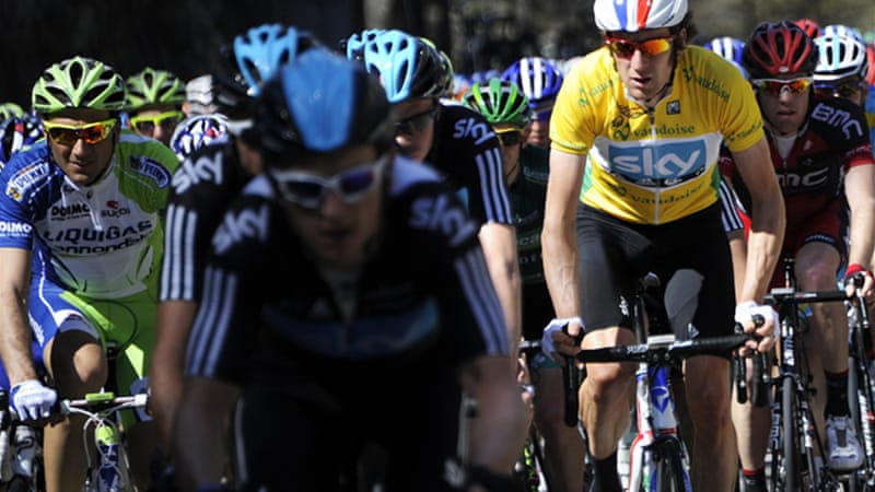 Team Sky's Bradley Wiggins, right, who retained his Critérium du Dauphiné title in June, is aiming to become the first British winner of the Tour de France. [EPA]