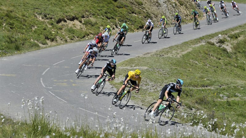 Thomas Voeckler won the 16th stage over four huge climbs in the Pyrenees, while defending champion Cadel Evans dropped out of title contention [EPA]