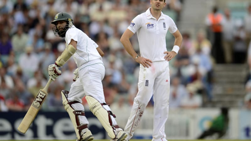 Hashim Amla ended the day unbeaten on 183 after skipper Graeme Smith had fallen for 131 in his 100th Test [Reuters]